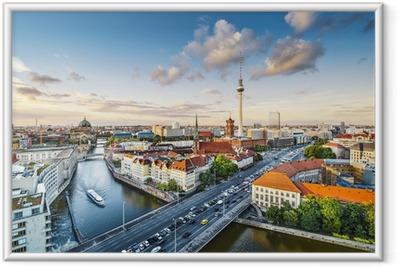 Gerahmtes Poster Berlin, Deutschland Nachmittag Stadtansicht