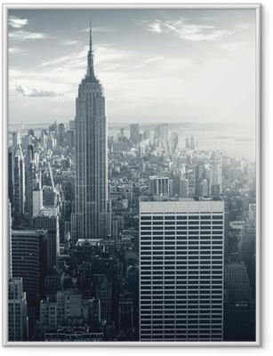 Plakat w ramie Amazing view to New York Manhattan at sunset