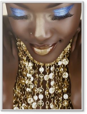 Gerahmtes Poster Afrikanische Frau mit Gold