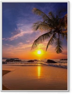 Gerahmtes Poster Sonnenuntergang über dem Meer. Provinz Khao Lak in Thailand