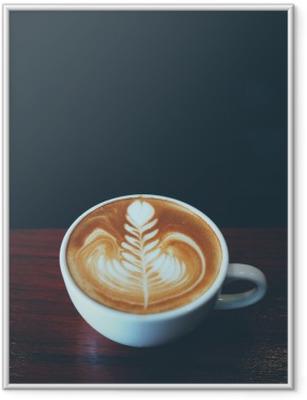 Kuppi kahvia latte taidetta kahvilassa Kehystetty juliste