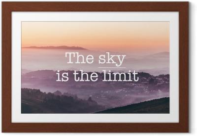 Poster i Ram Himlen är gränsen, dimmig bergsbakgrund