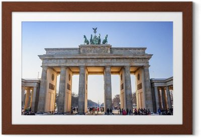 Póster com Moldura Brandenburg Gate in Berlin - Germany