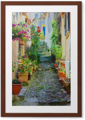 Poster en cadre Ruelle Étroite et colorée in a village de Provence -