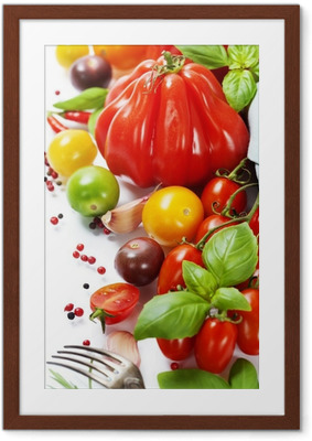 Póster com Moldura fresh tomatoes and herbs - healthy eating concept