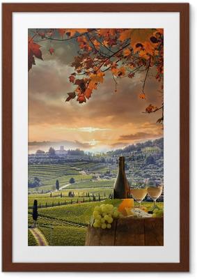 Poster en cadre Vin blanc avec barell dans le vignoble, le Chianti, en Toscane, Italie