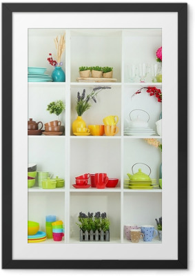 Poster en cadre Belles étagères blanches avec la vaisselle et le décor. - Thèmes
