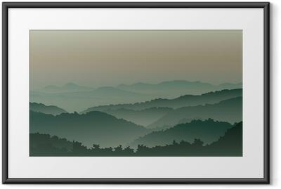 Poster en cadre Des montagnes vertes dans le brouillard