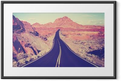 Póster com Moldura Estrada do deserto do vintage tonificado curva, conceito do curso, EUA