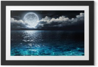 Obrazek w ramie Romantyczne i malownicze panoramy z pełni księżyca na morzu do nocy