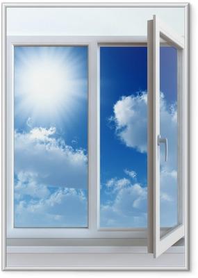 Poster en cadre Fenêtre ouverte sur un mur blanc et le ciel nuageux et soleil