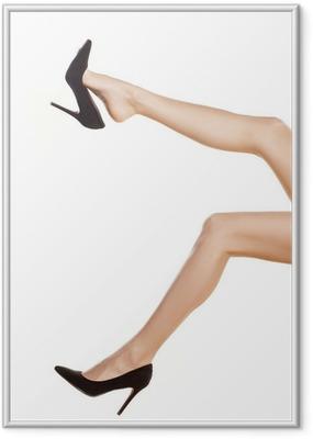 Poster i Ram Nätt kvinnliga ben i svarta skor med höga klackar på vit