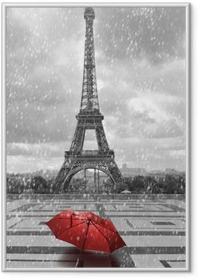 Gerahmtes Poster Eiffelturm in der regen. Schwarzweiss-Foto mit rotem Element