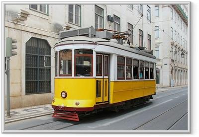 Poster en cadre Vieux jaune tram de Lisbonne, Portugal