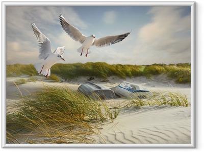 Ingelijste Poster Meeuwen, duinen en vissersboten