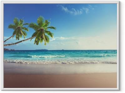 Ingelijste Poster Zonsondergang op het strand van de Seychellen