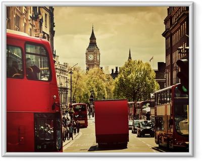 Poster en cadre Rue animée de Londres, en Angleterre, au Royaume-Uni. Bus rouges, Big Ben