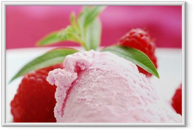 Erdbeereis mit frischen früchten Indrammet plakat
