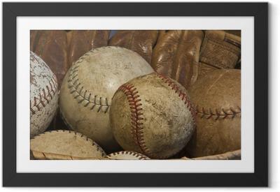 Plakat w ramie Baseballs kosz starych rękawic z antykami