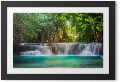 Ingelijste Poster Thailand waterval in Kanchanaburi (Huay Mae Voordat)