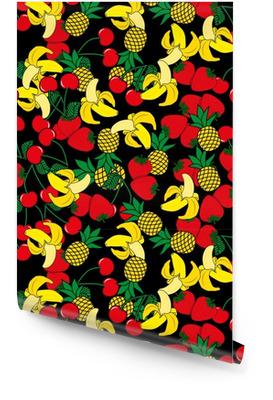 Modèle sans couture avec des bananes jaunes, des ananas et des fraises juteuses sur fond noir. fond de vecteur mignon. illustration de fruits lumineux d'été. mélange de fruits design pour tissu et décor. Rouleau de papier peint